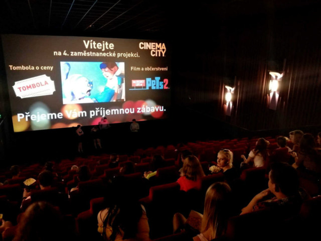 Promítání pro zaměstnance kina